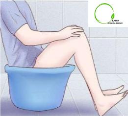 نشستن در لگن آب گرم برای تسکین و درمان هموروئید