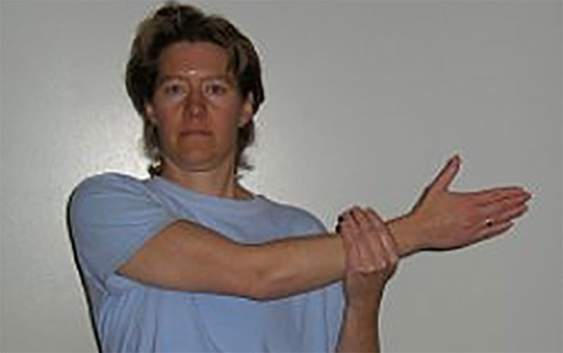 حرکات ورزشی شانه درد