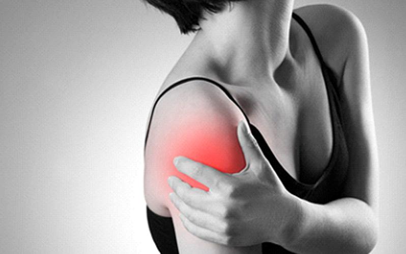 عواملی که باعث درد شانه میشود