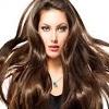 چه زمانی کاشت مو مناسبترین درمان ریزش مو در زنان است ؟