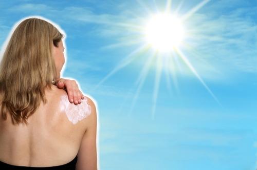 چگونه از اثر آفتاب بر پوست جلوگیری شود؟