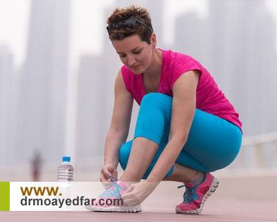 آیا کفش مناسب میتواند درد زانو را تسکین دهد؟